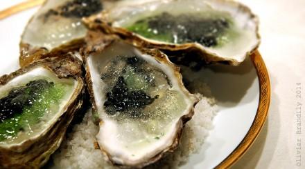 Huitre_gelee_eau_de_mer_caviar1