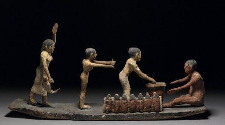 Modeles en bois biere et nourriture 6e dyn Fayoum British Museum